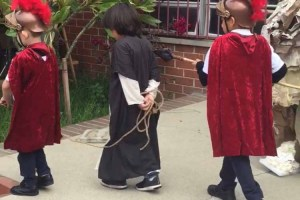 Stations of the Cross (17 Photos)
